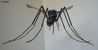 Giant mosquito, scary even if it is fake